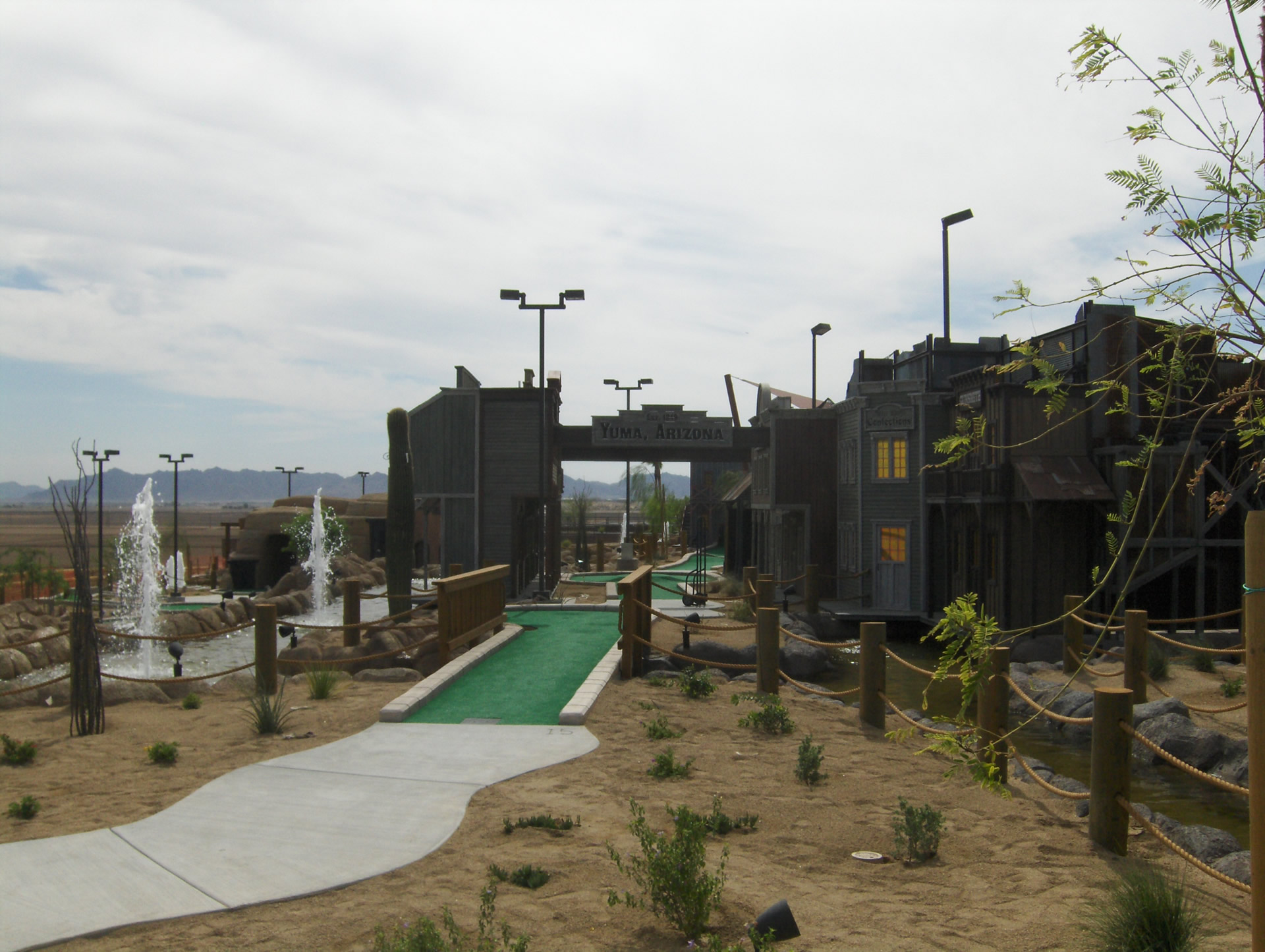 Yuma mini golf